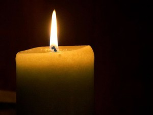 640px-Candle_flame_(1)